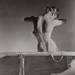 Corset_by_Detolle_for_Mainbocher_1939__Conde_Nast_Horst_Estate