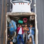 Series Car Poolers © Alejandro Cartagena