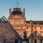 louvre-palais-louvre-cour-napoleon_0
