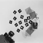 Bruno-Munari-Proiezioni-dirette-anni-Cinquanta-kit-come-vetrini-vuoti-e-materiali-vari-ph-Aldo-Ballo-courtesy-Fondazione-Jacqueline-Vodoz-e-Bruno-Danese