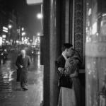 Philip Jones Griffiths, Oxford Street Kiss, 1960