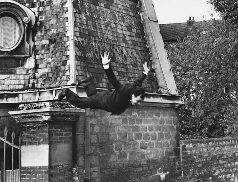 Yves Klein, il salto nel vuoto