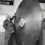 1959. Disco diamantato per la lavorazione del marmo esposto allo Stand Winter Ernst & Sohn