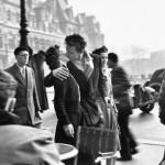 Robert Doisneau, Le baiser de L'Hotel De Ville, 1950 © Atelier Robert Doisneau