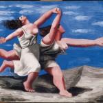 06_Deux-femmes-courant-sur-la-plage