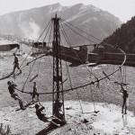 Pepi Merisio, La giostra di Colle Vareno Monte Pora, Bergamo, 1968, Stampa al carbone, cm 30 x 30