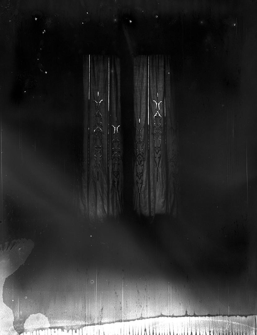 "Simone Bergantini, ""Something Out"", 2009, stampa pigmenti di carbone su carta cotone, cm 60x50, courtesy Jarach Gallery"
