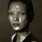©-Albert-WATSON,-Kate-Moss,-Veil,-Morocco,-1993