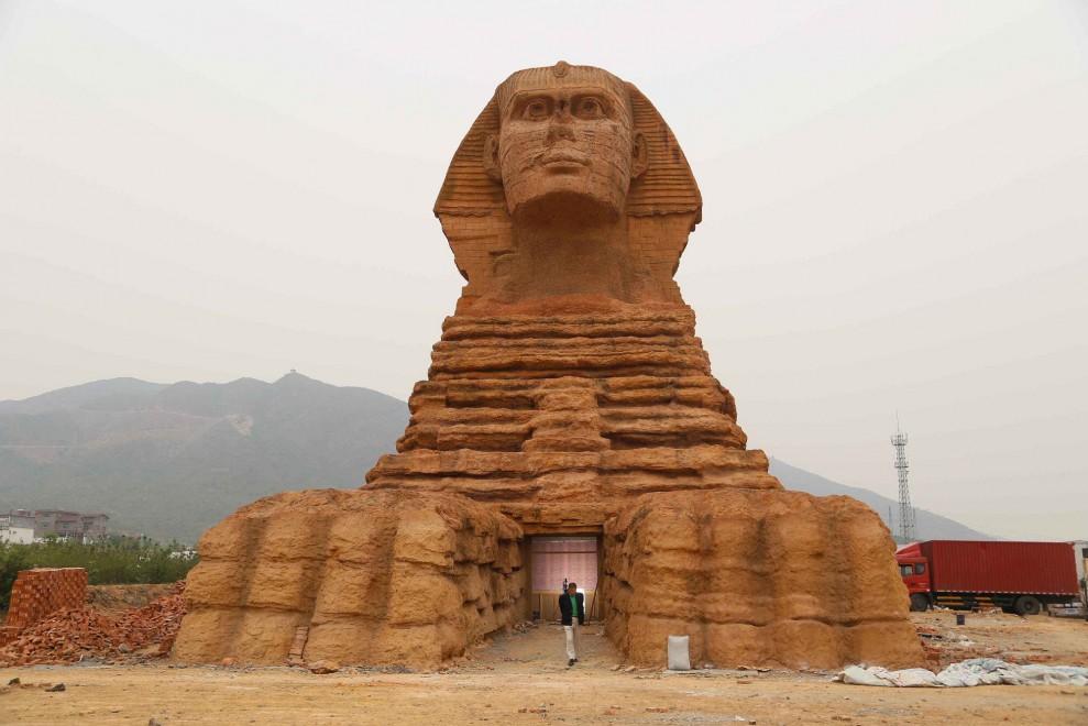 Sfinge-dEgitto-in-Cina-05
