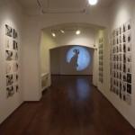 Allestimento della mostra di  Stefano Ricci al vicolo di Genova