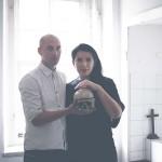26872-Nico-Vascellari-con-Marina-Abramovic-foto-Alan-Chies