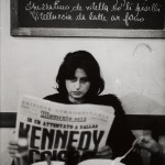 ©John Phillips_Anna Magnani legge la notizia dell'assassinio di kennedy 1963