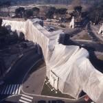 AE_s-t-foto-libreria-galler_M_Piersanti_Christo-The-Wall-wropped-roman-wall-Roma1