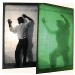 Alberto Biasi, Eco, 1974, tela dipinta fosforescente e irradiata da luce di wood