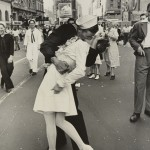 AlfredEisenstaedt_V-J Day in Times Square, New York City, 1945 (c)The LIFE Picture Collection_Getty Images
