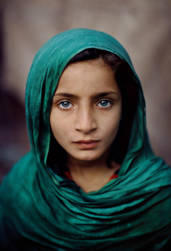 Girl with green shawl © Steve McCurry
