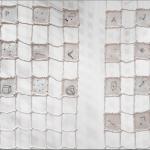 Nina Carini, Cielo ed acqua, 468 tessere disegnate con filo nero su rete di scena, particolare, foto Lorenzo Palmieri