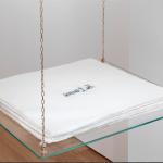 Nina Carini, Je t'aime, 110 fogli di carta cotone, stampa a mano con acqua e zucchero e trasparina, lastra in plexi incisa, foto Lorenzo Palmieri