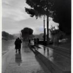 Nello Ciampi (1890-1980). Coppia in via dei Fori Imperiali, 1958 ca