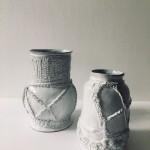 3) Aurelie Mathigot, collaborazione con Astier de Villatte, 2017, ceramica, dimensioni variabili