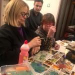 Marina Valli presidente OTP insegna l'arte dei gioielli ai ragazzi di Double