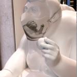 Mascherine d'Artista - Scultura e mascherina di Fernando Botero_