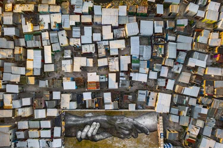 L'arte contemporanea di Saype, Beyond walls