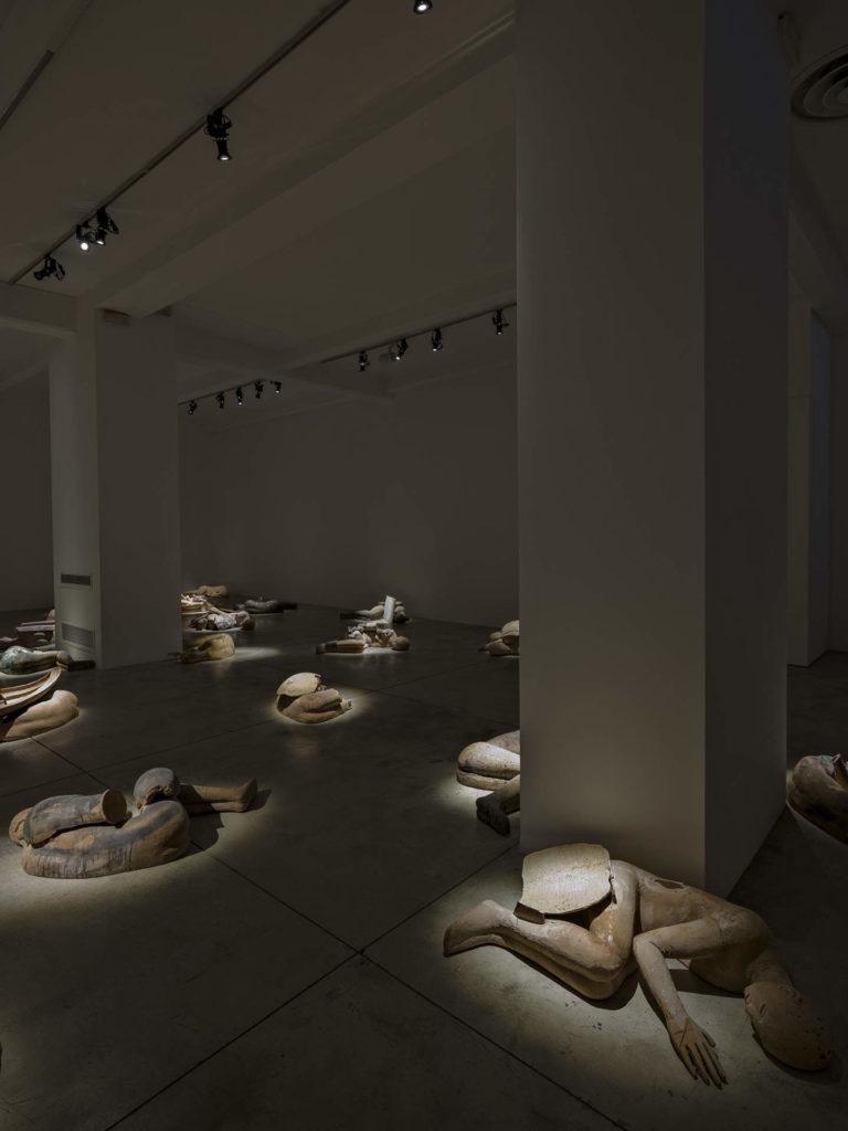 I Dormienti, 1998-2020. Foto Carlo Vannini. Courtesy Cardi Gallery Milano